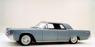 Carro antigo e com seguro