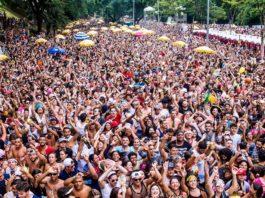Bloco Pinga Ni Mim reuniu 250 mil pessoas no Ibirapuera